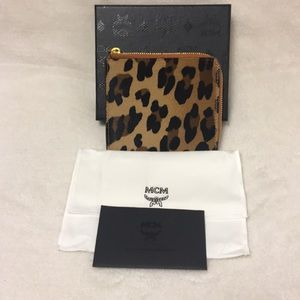 🖤🖤 MCM LEOPARD SMALL ZIPPED WALLET 🖤🖤